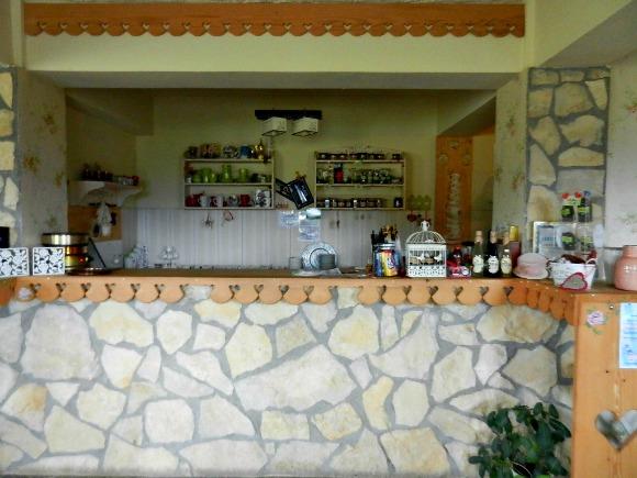 2-Interior-Cafenea-Fundata